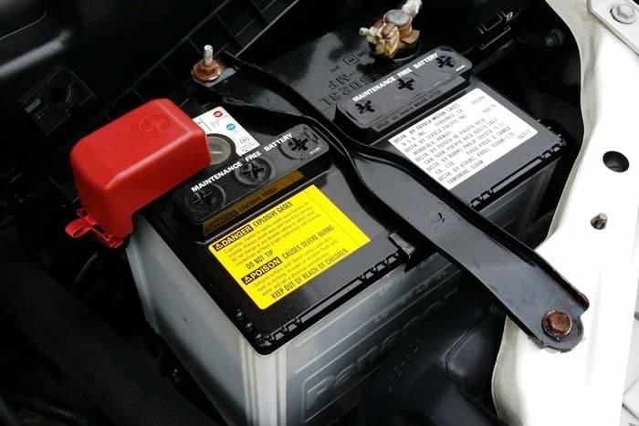 Batterie de voiture - Voyant batterie allumé