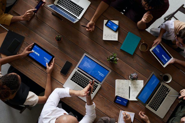 Plusdepoints, la startup française courtier en stage de récupération de points de permis
