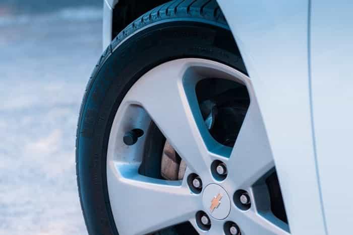 Risques d'une mauvaise pression de pneus