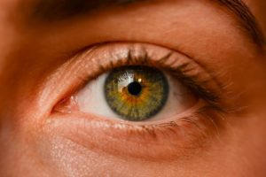 Yeux-rouges-remedes-grand-mere