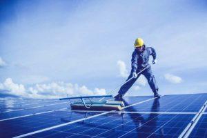 nettoyer-des-panneaux-solaires
