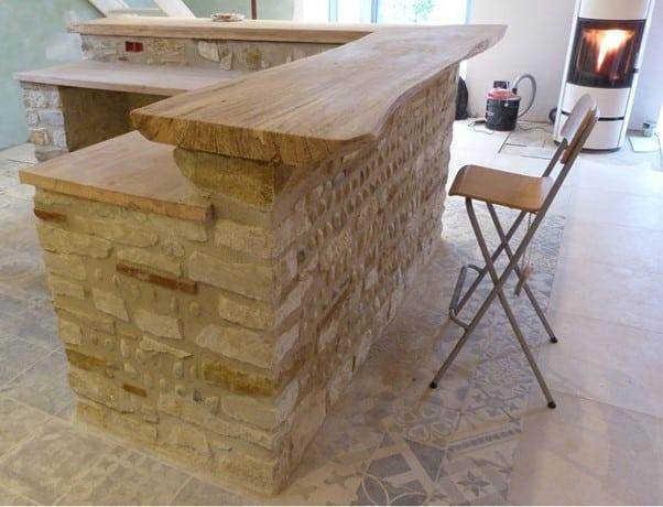 bar en pierre et bois